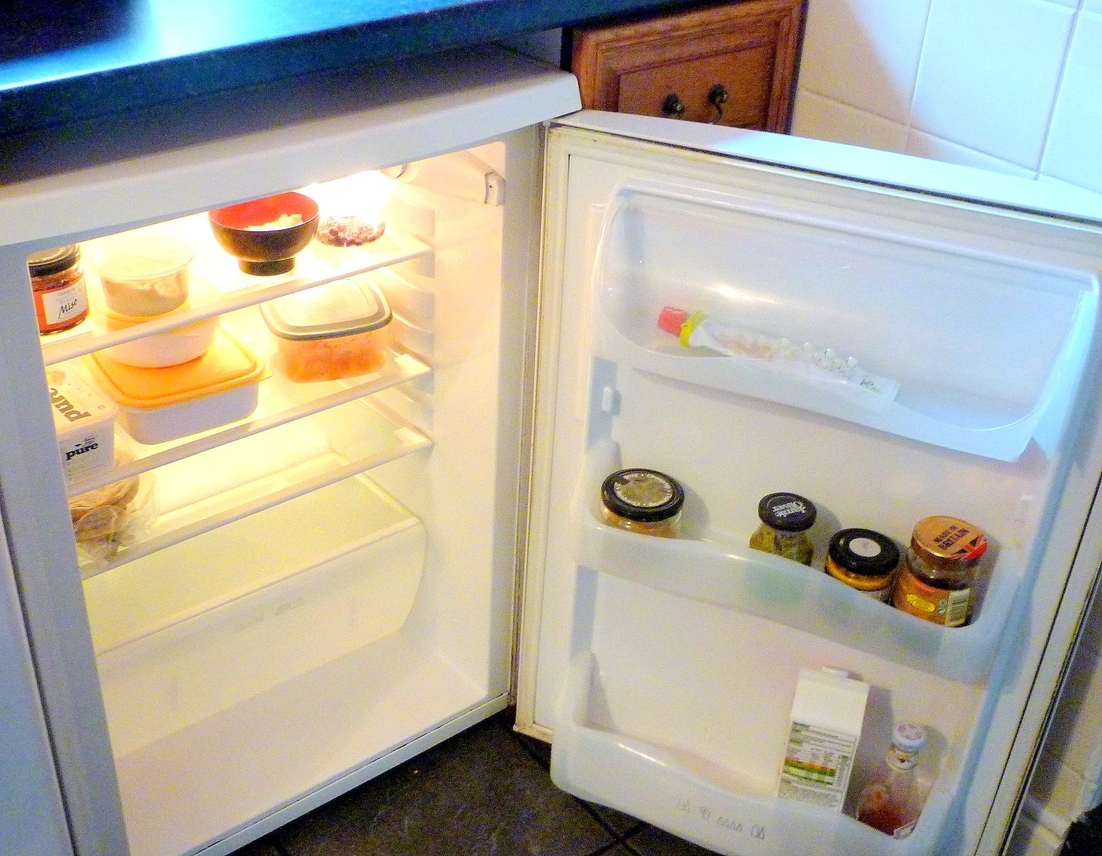 Clean fridge - Ah! that's better.