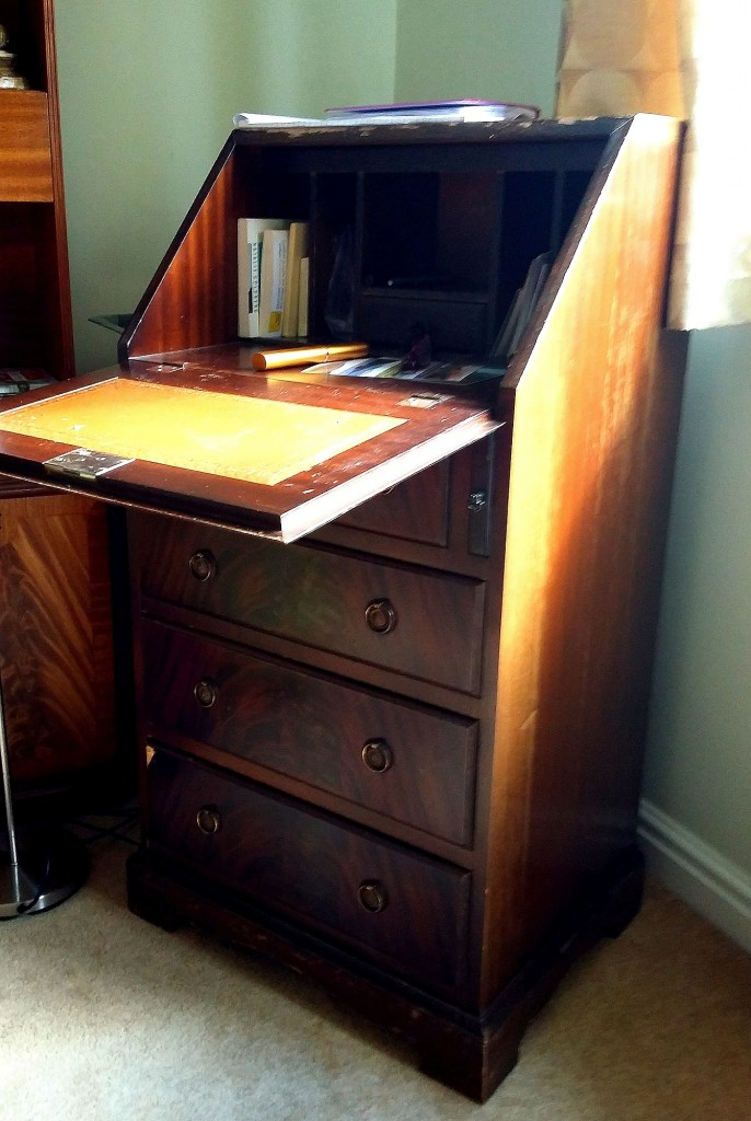 1Writing desk