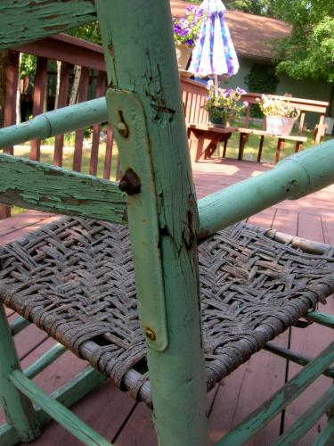 detail_of_mend_on_rocking_chair.jpg